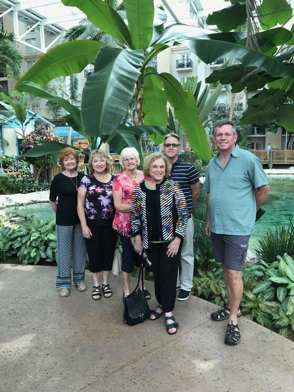 03-19-2018 Trip to Gaylord Palms Bulb watch